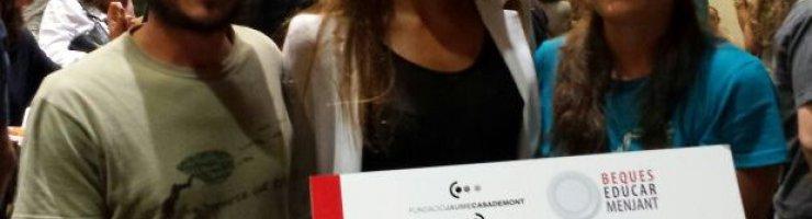 La padrina de les beques d'enguany, Ona Carbonell, amb el Consorci Mestral-GOB