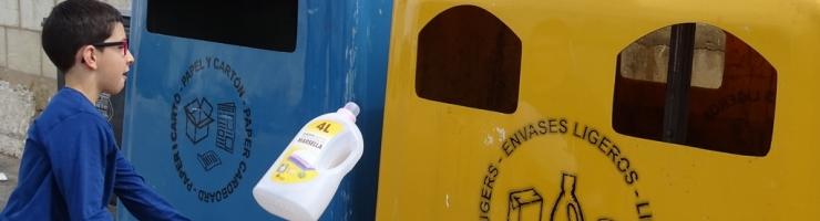 """Categoria Reciclatge: Damià Villalonga Mir """"La màgia del reciclatge"""""""
