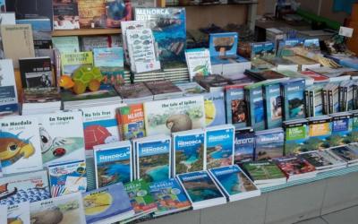 Llibres sobre Menorca, senderisme, gastronomia, fauna i flora, contes infantils...