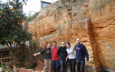 Uns quants voluntaris del centre satisfets després de la jornada