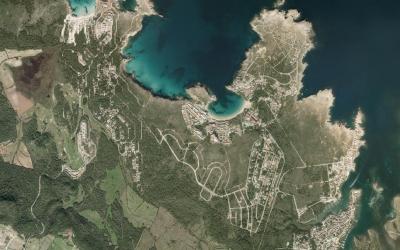 Vista del creixement urbanístic al nord de Mercadal