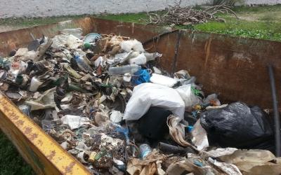 Acumulació dels residus que s'anaven retirant.