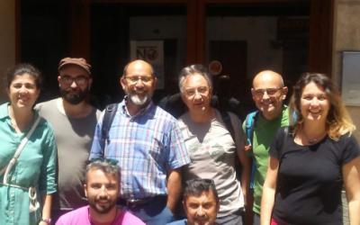 Algunes de les persones presents a la trobada davant la seu del GOB Mallorca