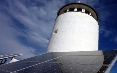 Plaques solars fotovoltaiques a la seu del GOB a Maó